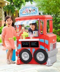 Take a look at this 2-in-1 Food Truck Playset today!