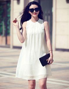 Đầm suông màu trắng cổ xếp ly - B0228