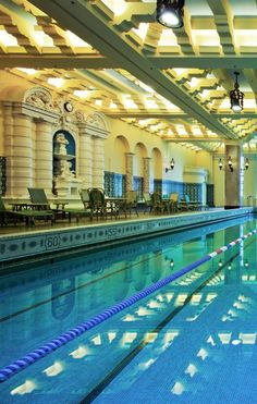 10 best indoor hotel pools for kids illinois chicago beyond pinterest hotel pool for Best hotel swimming pools for kids