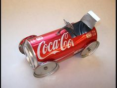 Afbeeldingsresultaat voor soda can art Aluminum Can Crafts, Metal Crafts, Metal Tree Wall Art, Scrap Metal Art, Recycled Art Projects, Recycled Crafts, Coke Can Crafts, Pop Can Art, Recycle Cans