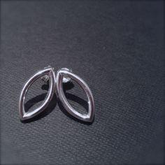 oorstekers zilver navette vorm. van Atelier925 op DaWanda.com