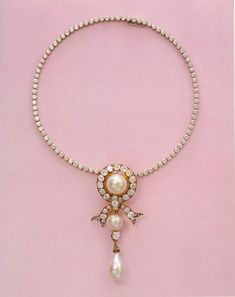 Pearl and diamond ribbon necklace that belonged to Empress Maria Feodorovna.