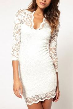 scalloped v-neck w/ lace