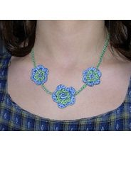 Ravelry: Flower Necklace pattern by Mary Jane Hall.. Free pattern!