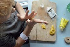 zimna-porcelana-diy-przepis-cold-porcelain-tutorial, prace plastyczne, kids art, zabawy dla dzieci, kreatywnezabawydladzieci.pl, play doh