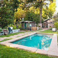 Google Image Result for http://4.bp.blogspot.com/-NZ0OXX3mMWg/TzXhamusEtI/AAAAAAAAJX4/T_swZ1LvQak/s400/sonoma-house-front-yard-pool-garden-0212-l.jpg