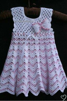 Fan mesh baby dress pattern crochet free baby dress crochet pattern more great looks like this salvabraniPattern with braided net for baby clothes. Free crochet pattern for baby clothes. Crochet Baby Dress Pattern, Knit Baby Dress, Baby Girl Crochet, Crochet Baby Clothes, Crochet Top, Crochet Dresses, Crochet House, Fast Crochet, Crochet Toddler