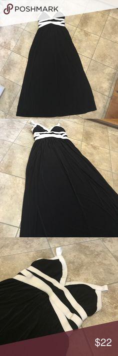 Sofia Vergara Black Maxi Dress Gorgeous black Sofia Vergara maxi dress! Perfect for summer! Size Medium, good condition! Sofia Vergara Dresses Maxi