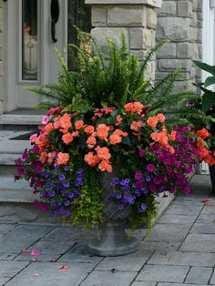 flower pots outdoor 38 DIY Garden Pots project On a Budget Diy Garden, Garden Planters, Shade Garden, Lawn And Garden, Potted Plants Patio, Spring Garden, The Green Garden, Outdoor Pots And Planters, Planters For Front Porch