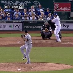 """8,886 Likes, 18 Comments - Kansas City Royals (@kcroyals) on Instagram: """"It was raining homers last night ☔️ With 5+ runs scored, enjoy half off pizza from @papajohns…"""""""
