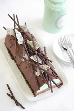 Mint Chocolate Cheesecake Yule Log | Decadently Delicious Yule Log Recipe and Cake Ideas