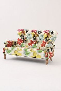 Battersea Sofette, Bloom: Retro modern loveseat with traditional styling and flaunting bold oversized flowers in crisp linen.