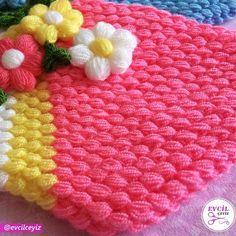 Çeyizlerin ve bohçaların olmazsa olmazıdır lifler. Her biri özenle hazırlanan liflerimizi sizlerin beğenisine sunuyoruz. (Ürünün detay… Blanket, Crochet, Instagram, Ganchillo, Blankets, Cover, Crocheting, Comforters, Knits