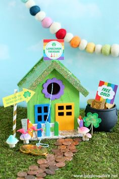 Stop those pesky little leprechauns from stealing your gold with a colorful and fun DIY Leprechaun Trap House! #stpatricksday #decoart #diy #kidscrafts