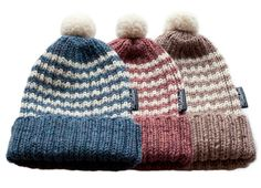 Mantelinan raitapipot - Woollen beanies with stripes by Mantelina