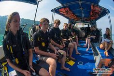 The lovely morning sun shines on us as we enjoy our boat ride in TAR Park to our chosen reef!