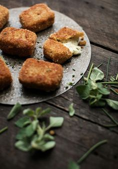 Vegetarian Side Dishes, Vegetarian Recipes, Cooking Recipes, Batch Cooking, Pot Luck, Fondue Parmesan, Fingers Food, Gluten Free Puff Pastry, Snacks Sains