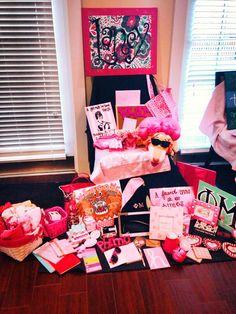Phi Mu Big/Little Reveal at Tennessee Phi Sigma Sigma, Delta Phi Epsilon, Pi Beta Phi, Kappa Alpha Theta, Big Little Week, Big Little Gifts, Little Presents, Phi Mu Crafts, Sorority Crafts