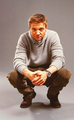 casual Jeremy Renner