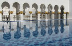 Pietra Dura hard stone inlay work completed by Saray Design artisans at the Sheikh Zayed bin Sultan al-Nahyan Grand Mosque, Abu Dhabi