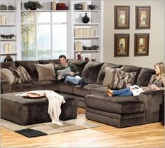 I've always wanted one of these couches :P love love love sectionals there soo comfy!!