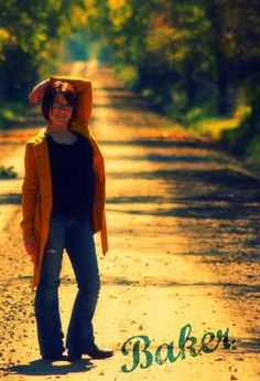 Nothing like a country road in the autumn.  Senior portrait, Senior picture.