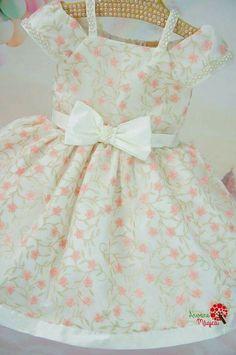 Baby girl dress 👗 Baby Girl Dress Patterns, Little Dresses, Little Girl Dresses, Girls Dresses, Kids Frocks, Frocks For Girls, Toddler Fashion, Kids Fashion, Dress Anak