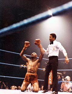 Marvin Hagler beats Alan Minter for the Middleweight championship