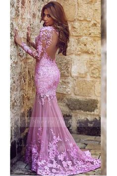 V NECK MERMAID LONG SLEEVED LACE PROM DRESS