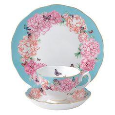 ミランダ・カーがデザインの段階からすべての工程に携わった、美しく彩られたコレクション。美しいターコイズ色の縁取りに、華やかな牡丹とその周りを飛びまわる様々な色の蝶で飾られたパターンです。ターコイズと白を基調にシンプルなデザインが魅力です。(ロイヤルアルバートの商品には、ショッピングバッグは付きません。)
