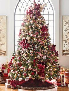 Red And Gold Christmas Tree, Elegant Christmas Trees, Ribbon On Christmas Tree, Christmas Tree Themes, Christmas Tree Decorations, Christmas Holidays, Decorated Christmas Trees, Traditional Christmas Tree, Xmas Trees