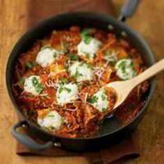 Pampered Chef skillet lasagna:   1 jar (24-26 oz or 680-700 mL) marinara sauce 3 cups (750 mL) water 8 oz (250 g) lasagna noodles 1 lb (500 g) bulk hot Italian turkey sausage or sausage links, casings removed 2 garlic cloves, pressed 2 oz (60 g) Parmesan cheese 2 tbsp (30 mL) chopped fresh parsley, divided 1 cup (250 mL) fresh whole milk ricotta cheese (about 8 oz/250 g, see Chef's Corner) 1/2 cup (125 mL) shredded mozzarella cheese 1/4 tsp (1 mL) coarsely ground black pepper Additional…