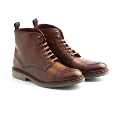 Brogue boots for men Truman Brown- Handmade in Spain in brown calf by Beatnik Shoes. Worldwide shipping by UPS. Free EU home delivery. 179,9 €