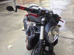 2015 Ducati Monster 821 Dark full Carbon FIber loaded.  Red CNC levers, rizoma drag bar and Mirrors. Red grips.