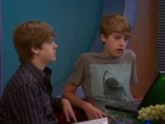 Cole Sprouse and Dylan Sprouse in The Suite Life on Deck (2008)
