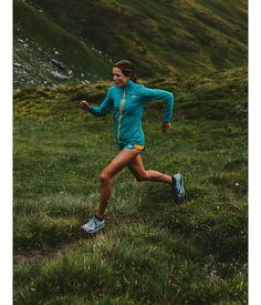 On the move. Team ultrarunner Rory Bosio takes to the trail in the Better Than Naked™ Jacket. Perform at your highest level while running in springtime conditions, with our lightest #running jacket that deflects the wind and fits like a second skin. #run