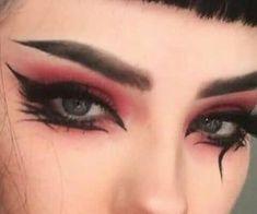 макияж со стрелками примеры 2021 2022 Punk Makeup, Gothic Makeup, Eye Makeup Art, No Eyeliner Makeup, Smokey Eye Makeup, Makeup Inspo, Makeup Inspiration, Goth Eye Makeup, Pastel Goth Makeup