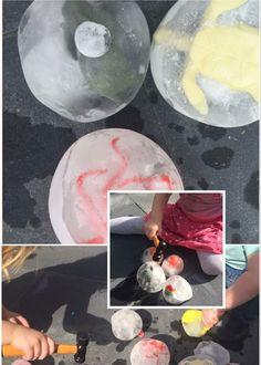 Ijsballen maken met Ballonnen. Diertjes in de ballon, water vullen en in de vriezer. Kids zomer ideeën