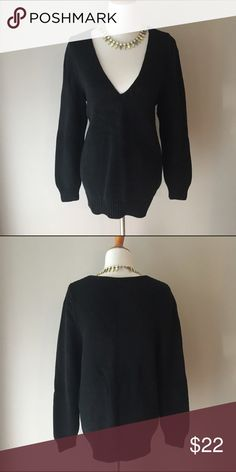 Lane Bryant V-neck Sweater Great thick v-neck sweater to keep warm on those chilly days. Would go great with colored jeans and booties. Size 14/16. 100% cotton Lane Bryant Sweaters V-Necks