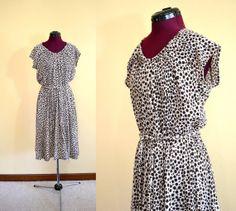 1970s Vintage Plus Size Brown and White Animal Print Dress