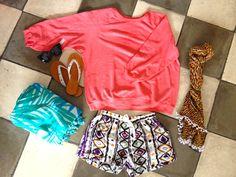 Festival outfit #letoko #aztec #flipflops #shorts #boho #scarf #palmtreerug