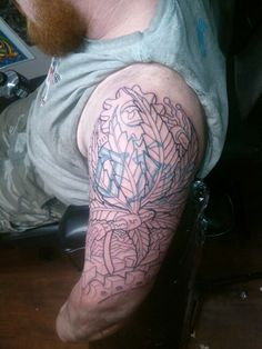 #outline #tattoo #bodyart #jakecustomtattoo #nh #ink #freehand #custom #drawn #biomech