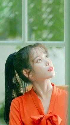 Korean Girl Photo, Cute Korean Girl, Iu Short Hair, Short Hair Styles, Choi Seo Hee, Korean Celebrities, Celebs, Girl Artist, Iu Fashion