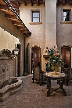 1_2113931_Rancho_Verde_Trail_5105_0300 | Flickr - Photo Sharing! Tuscan Courtyard, Italian Courtyard, Courtyard Design, Spanish Colonial, Spanish Style Homes, Spanish House, Tuscan Decorating, Tuscan Homes, Tuscan Design