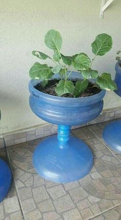 10 creative ideas on how to recycle plastic bottles and containers ~ lodijoell . - 10 creative ideas on how to recycle plastic bottles and containers ~ lodijoella - Diy Home Crafts, Garden Crafts, Garden Projects, Garden Art, Garden Design, Garden Ideas, Plastic Bottle Crafts, Recycle Plastic Bottles, Recycling Containers