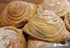 Vaníliás sfogliatelle | NOSALTY Italian Desserts, Italian Dishes, Italian Recipes, Italian Foods, Curry Puff Recipe, Salty Snacks, Hungarian Recipes, Food Pictures, Sweet Recipes