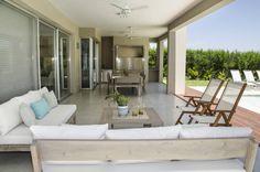 Mirá imágenes de diseños de Livings estilo Moderno}: GALERÍA . Encontrá las mejores fotos para inspirarte y creá tu hogar perfecto.