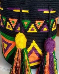 Marvelous Crochet A Shell Stitch Purse Bag Ideas. Wonderful Crochet A Shell Stitch Purse Bag Ideas. Tapestry Crochet Patterns, Macrame Patterns, Tunisian Crochet, Knit Crochet, Crochet Hats, Knitting Projects, Crochet Projects, Tapestry Bag, Knitted Bags