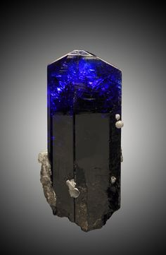 Tanzanite: high vibrating and stimulates your crown, third-eye and throat chakra. This combination of stimulation make it an excellent choice for enhancing your work with spirit communication; amazing for helping you explore and find your true self. This stone is one of the stones that accelerates our coming of age. If you work with metaphysics and the spirit world this stone should be on your list of must haves. | #perspicacityparty #magicgeodes #magicstones #tanzanite