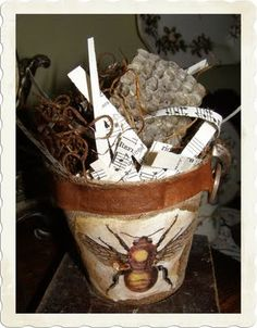 The Graphics Fairy - Crafts: Bee Peat Pot